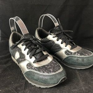 Sketchers suede leather & lace sneakers black 7.5